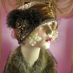 1920'S VINTAGE STYLE BROWN RHINESTONE BEADED FEATHER BROOCH CLOCHE FLAPPER HAT | Patricia Josephine Antique Style Design