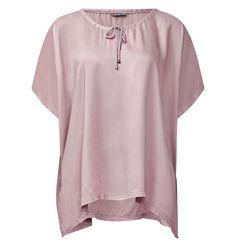Poncho-Bluse Posy    Poncho aus fließendem Blusenstoff mit Kordeln und Rundhalsausschnitt: das Modell Posy von Street One. Der schlichte weit geschnittene Poncho aus fließendem Stoff lässt sich am Ausschnitt mit den Kordeln regulieren. Je nach Belieben können die Kordeln als Schleife gebunden, geknotet oder offen getragen und somit unterschiedliche Styles erzeugt werden. Eine locker leichte Pon...