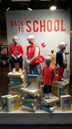 Back to school, Window display, Kids, Visual Merchandising, Books