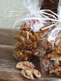 Kouzlo mého domova: Vlašské ořechy ve slaném karamelu Ds, Almond, Cereal, Breakfast, Food, Morning Coffee, Essen, Almond Joy, Meals