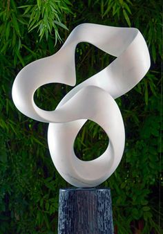 Richard Erdman Carrara marble helio sculpture at Sculpturesite Gallery Contemporary Sculpture, Contemporary Art, Free Standing Sculpture, Vases, Art Carved, Organic Shapes, Sculpture Art, Stone Sculpture, Garden Sculpture