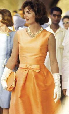 A Look at the Legacy of Jackie Kennedy's Go-To Designer, Oleg Cassini — InStyle Jacqueline Kennedy Onassis, Jackie Kennedy Style, 1950s Fashion Dresses, 1960s Outfits, 1960s Fashion, 1950s Style, Jane Birkin, Brigitte Bardot, Grace Kelly