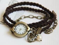 Romantisk armbåndsur på flettet skinnreim http://epla.no/shops/LilliogLucas-smykk/