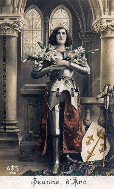 Saint Joan of Arc - St. Joan of Arc - Joan of Arc - Jeanne d'Arc - Postcard, Joan D Arc, Saint Joan Of Arc, St Joan, Art Magique, Joan Bennett, Jeanne D'arc, Templer, Female Knight, Catholic Saints
