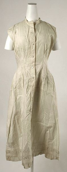 "1880s Linen Chemise with marking label ""Worth, Paris"".  Met Museum 1978.477.16"