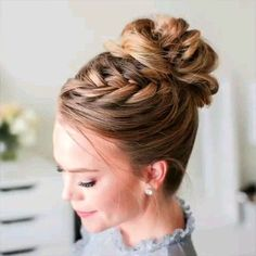 Beautiful braided hairstyle idea you can try at home. DIY Hair for a prom or your wedding, DIY Braid Hairstyle Tutorial Beautiful braided hairstyle idea you can try at home. DIY Hair for a prom or your wedding. Braided Hairstyles Tutorials, Up Hairstyles, Wedding Hairstyles, Hairstyle Ideas, Bob Hairstyle, Medium Hairstyle, French Braid Hairstyles, Hair Medium, Braid Tutorials