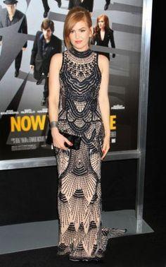Isla Fisher at the 'Now You See Me' premiere. Stylist: Jill & Jordan for RZStudio. Hair: Renato Campora MU: Katey Denno