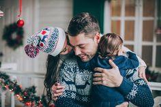 Новогодняя семейная фотосессия в уютной фотостудии станет отличным подарком к новому году! Проведет ее для вас профессиональный фотограф! Снимки будут долго радовать вас!