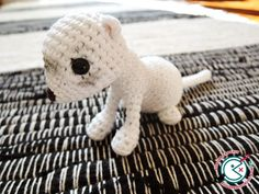 Chipie, the white ferret - free crochet pattern in English and French by Ahooka Migurumi.