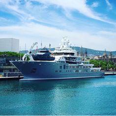 """Explorer yacht """"ULYSSES"""" dropping in her explorer tender."""
