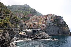 Manarola, Cinque Terre, Italy. I would love to see this place!