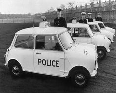 British Mini Cooper police car in the British Police Cars, Old Police Cars, British Car, Classic Mini, Classic Cars, Black Mini Cooper, Mini Driver, Flying Dog, Trucks