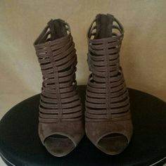 Zara Brown suede sandals Beautiful sandals tha will look great with jeans or a dress Zara Shoes Sandals