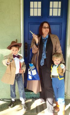Happy Halloween from two Doctors and a Pirate named Jake! ;) (Complete with Sonic Screwdrivers from @Thinkgeek!) #ThinkGeekoween