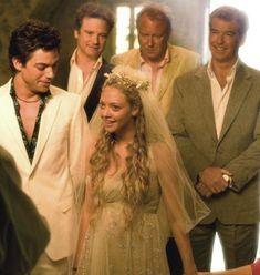 Amanda Seyfried's wedding dress: RATE IT or HATE IT? #mammamia #hen #bachelorette