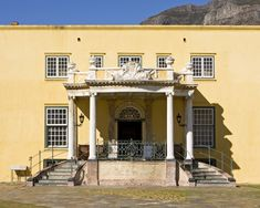 Castle of Good Hope, South Africa This famous castle was erected by the Dutch East India Company in 1666 and is the oldest colonial structure in South Africa. During the Second Boer War, prisoners were kept within the confines in refitted jail cells. The cells were never removed, and the poor conditions can still be seen today. The Castle of Good Hope currently hosts the Castle Military Museum.