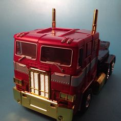 Transformers Masterpiece Year of the Horse Optimus Prime Platinum Edition (Hasbro). Made with a homemade  box light's and an iPhone 5