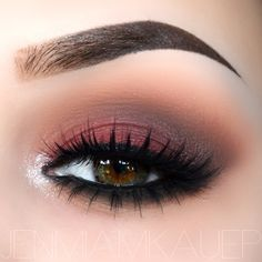 Using makeupgeek eye-shadow ✨