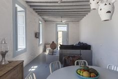 Booking.com: Coco-Mat Eco Residences Serifos , Βάγια, Ελλάδα - 53 Σχόλια πελατών . Κάντε κράτηση σε ξενοδοχείο τώρα! Dining Room, Dining Table, Two Bedroom, Traditional House, Summer Houses, Furniture, Greek, House Ideas, Home Decor