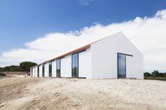Sítio da Lezíria : Casas modernas por Atelier Data Lda