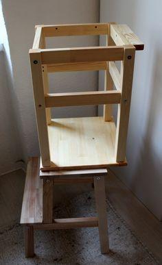 Ein sogenannter Lernturm kann Kleinkindern wie Eltern das Leben stark erleichtern. Hier findest du eine Lernturm Bauanleitung als Ikea Hack. Kosten: ca. 27€