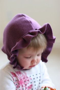 DIY: Fleece Bonnet - DIY: Fleece Bonnet We recently had Quinn baptized in the same little cap that Clare wore a few years ago for her baptism. I was reminded that I love this style baby hat and decided to try one on my own using a more f… Fleece Projects, Baby Sewing Projects, Sewing For Kids, Sewing Tutorials, Sewing Crafts, Sewing Patterns, Dress Patterns, Dress Tutorials, Sewing Ideas