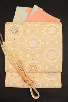 西陣織正絹袋帯フォーマル袋帯金地「変わり菱華文」訪問着用