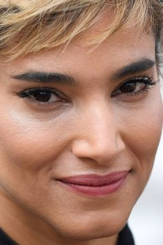 Under Heavy Makeup Sofia Boutella Transforms From A