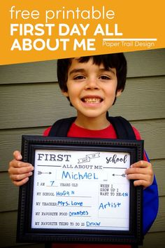 Print these first day all about me signs for kids to answer cute questions about themselves and hold up for their first day of school picture. First Day Of School Pictures, First Day School, I School, Holiday Activities, Classroom Activities, Cute Questions, Love Teacher, Old Names, Teacher Worksheets