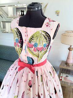 Vintage 1950s NOVELTY PRINT HOT AIR BALLOONS pink dress full skirt 27.5 waist | eBay
