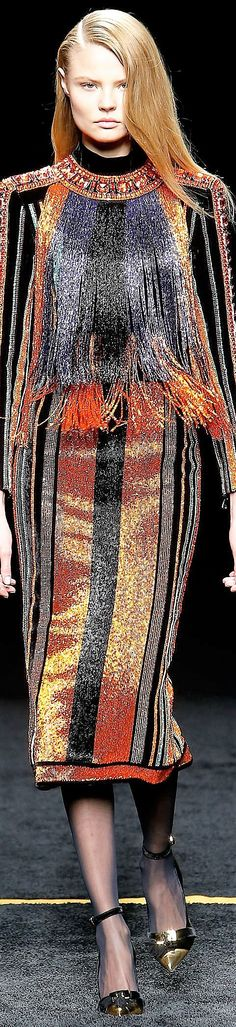 Balmain, fall 2015 Ready-to-Wear Pierre Balmain, Traje A Rigor, Runway Fashion Looks, Christophe Decarnin, Balmain Collection, Cute Dresses, Evening Dresses, Outfit, Fashion Design