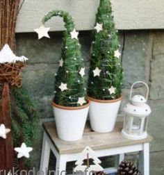DIY - Miniature Potted Christmas Trees Made From Real Greenery and Wire Potted Christmas Trees, Diy Christmas Tree, Winter Christmas, Potted Trees, Christmas Makes, All Things Christmas, Art Floral Noel, Holiday Crafts, Holiday Decor