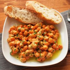 Cizrna s pikantním jogurtem Chickpea Recipes, Diet Recipes, Healthy Recipes, Vegetable Casserole, Weight Loss Smoothies, What To Cook, Chana Masala, Bellisima, Tofu