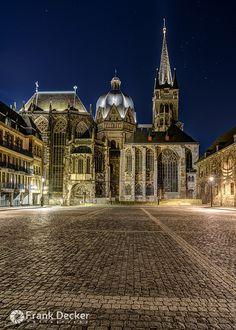 Aachener Dom by FrankDecker; Aachen, Germany