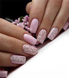Nail art is a very popular trend these days and every woman you meet seems to have beautiful nails. It used to be that women would just go get a manicure or pedicure to get their nails trimmed and shaped with just a few coats of plain nail polish. Pink Nail Designs, Nail Designs Spring, Spring Nail Art, Spring Nails, Nails Studio, Matte Nail Art, Manicure E Pedicure, Flower Nails, Creative Nails