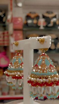 Royal Jewelry, Ear Jewelry, Jewlery, Paper Flowers Craft, Flower Crafts, Unusual Jewelry, Bohemian Bride, Gold Choker, Bride Hairstyles