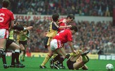 Retro Red: United v Arsenal, 1990 - http://footballersfanpage.co.uk/retro-red-united-v-arsenal-1990/