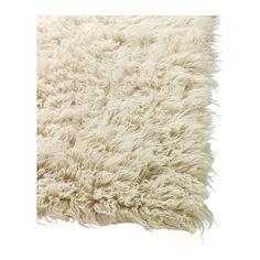 FLOKATI Alfombra, pelo largo IKEA El pelo largo crea una superficie muy mullida para la pisada y amortigua el sonido.