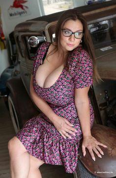 Busty glasses amature