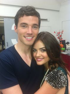 # lucy hale and ian harding from pretty little liars Pretty Little Liars, Lucy Hale, Ezra And Aria, Pretty People, Beautiful People, Amazing People, Ezra Fitz, Ian Harding, Tv Couples