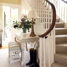 Entry Long Hallway Decorating Good Ideas - Artistic Home Decor Entrance Foyer, Entry Hallway, Entrance Halls, Long Hallway, Hallway Ideas, Hallway Colors, Grand Entrance, Entryway Bench, Sweet Home