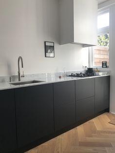56 best ikea kitchen design ideas 2019 80 ~ Design And Decoration Ikea Kitchen Design, Black Kitchens, Kitchen Flooring, Kitchen Remodel, Kitchen Decor, Home Kitchens, Modern Kitchen Design, Minimalist Kitchen, Kitchen Design