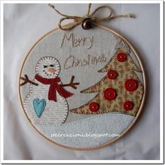 Easy peasy - good thing becuz the instructions are in spanish! cute for little ornaments - maybe for VA Christmas Sewing, Christmas Embroidery, Primitive Christmas, Christmas Projects, Handmade Christmas, Christmas Crafts, Christmas Decorations, Primitive Snowmen, Primitive Crafts