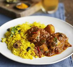 Cape Malay chicken curry with yellow rice Bbc Good Food Recipes, Healthy Dinner Recipes, Yellow Rice Recipes, Bone In Chicken Thighs, Curry Rice, South African Recipes, Curry Recipes, Aloo Recipes, Oven Recipes