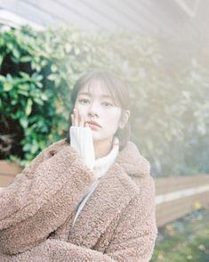 🌤🧥🎞📷 Young Actresses, Korean Actresses, Korean Actors, Baek Seung Jo, Jung So Min, Korean Star, Korean Celebrities, First Girl, Hey Girl