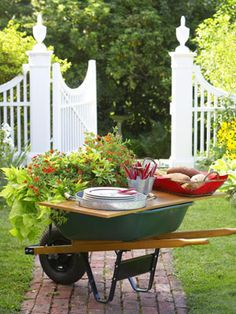 clever ideas for summer entertaining.