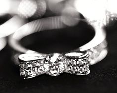 bowtie diamond ring. lovelovelove
