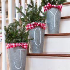 10 Minute Christmas Decorating Idea – Chalk Pen Galvanized Buckets