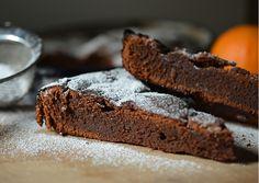 Torta de chocolate prensada, ideal para acompañar con crema, helado o dulces: http://elgour.me/1RaRk0A  #elgourmet #LaComidaNosUne #Dulces