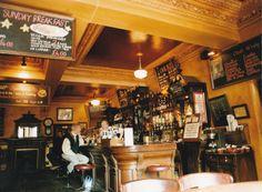 """Ein nicht unwesentlicher Teil meines Romans """"Liebe und die sich daraus ergebenden Konsequenzen"""" spielt in einem Pub namens Parkers"""